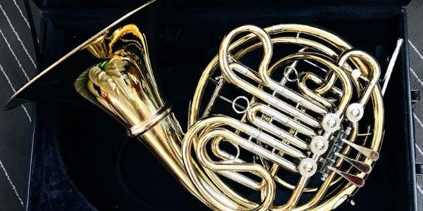 金管楽器のホルン