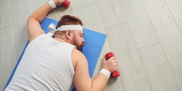 運動不足の男性